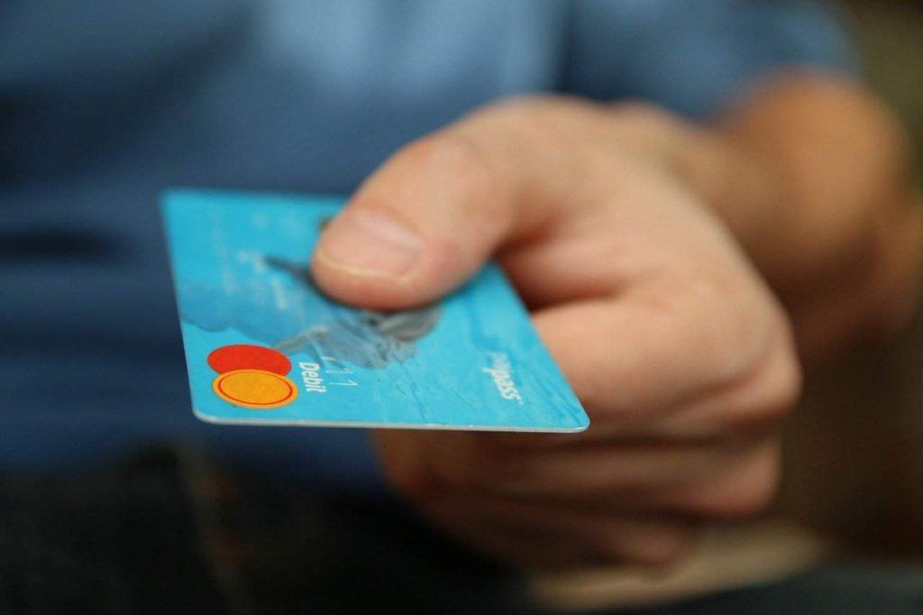 Co trzeba wiedzieć o karcie walutowej?